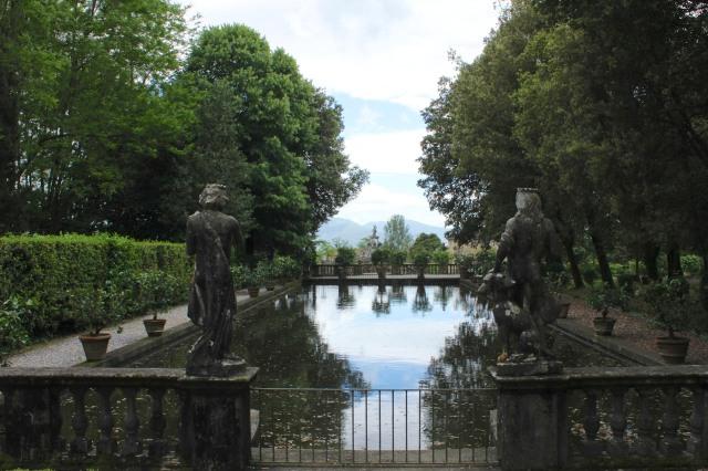 Like Leda at Villa Reale she has a nice view.