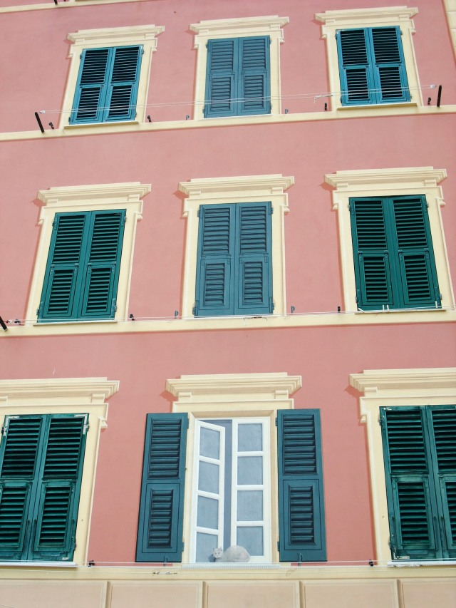 """Many of the buildings in Santa Margherita di Ligure, a coastal town just a few kilometers to the west of the """"Five Villages"""", are decorated with these surprisingly realistic faux windows."""