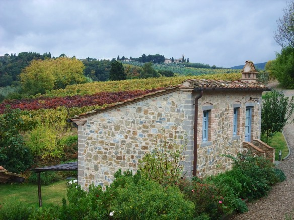 At Guardastelle you can stay in the main villa or your own little cottage.