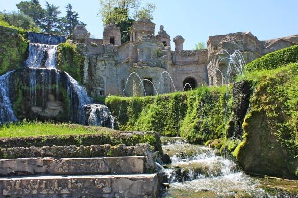 Next to la Rometta, la Fontana di Flora.