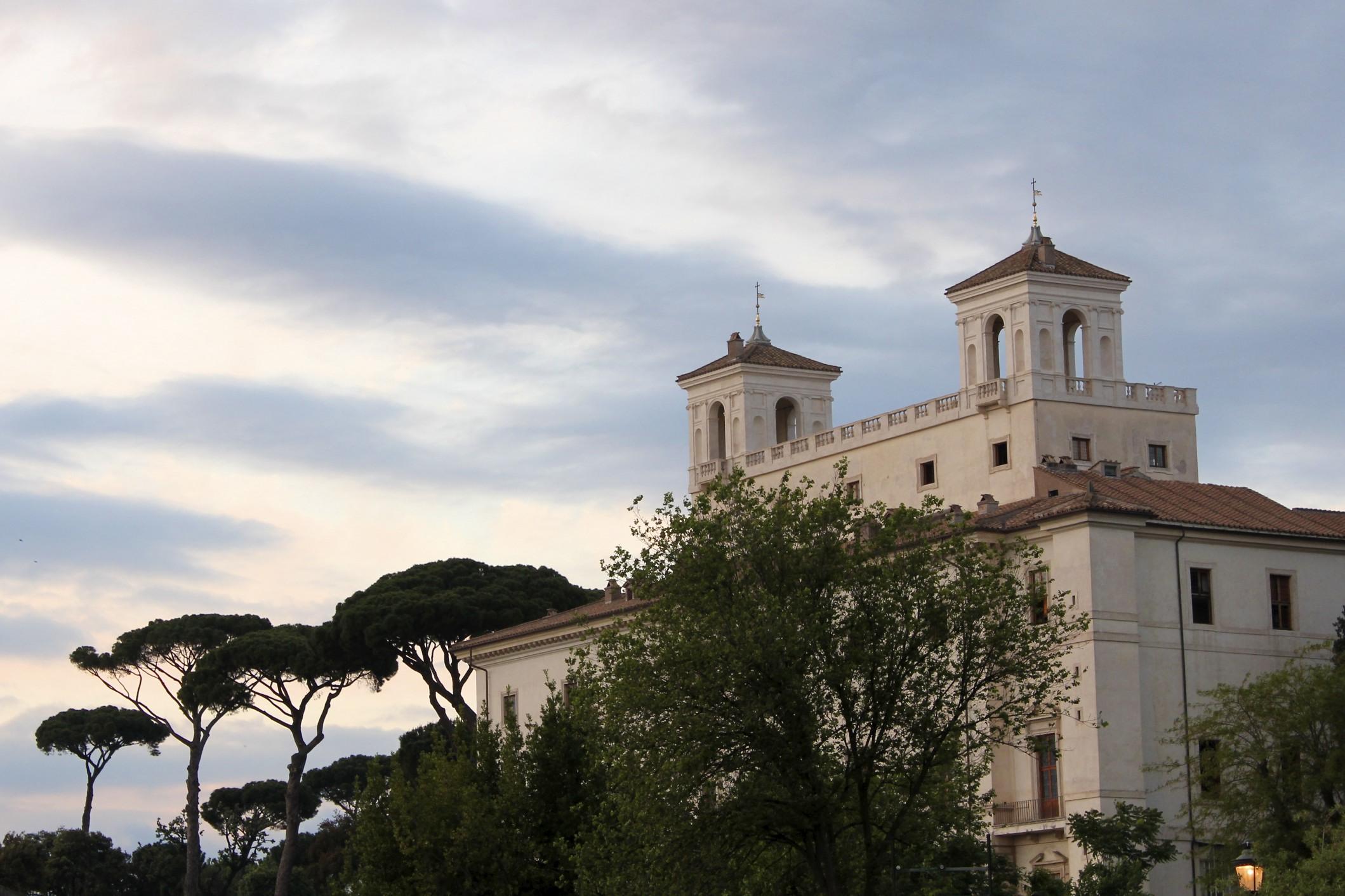 A Tuscan S Garden In Rome Loving Italy 39 S Gardens
