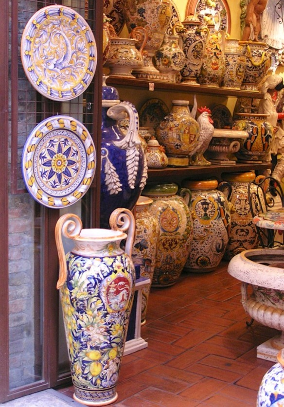 The pottery in the stores along Via San Giovanni is beautiful, but if you're looking for a souvenir from San Gimignano buy something else.