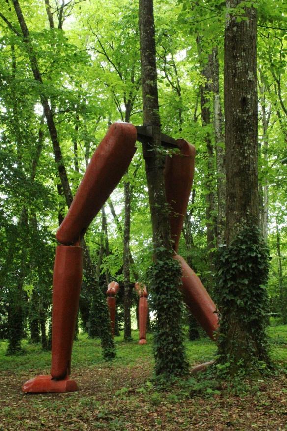 La Forêt qui Court (Forest that Runs).