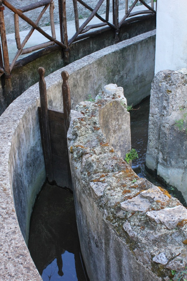 An intricate system of sluices controlled the water flow.