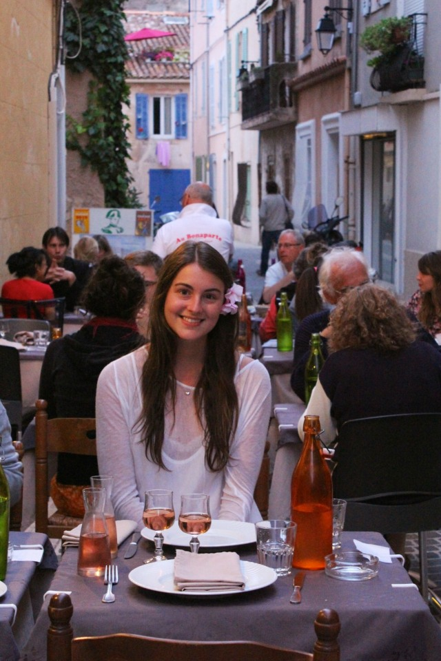 No matter how charming the locale, dinner together is always more pleasant. Cassis.